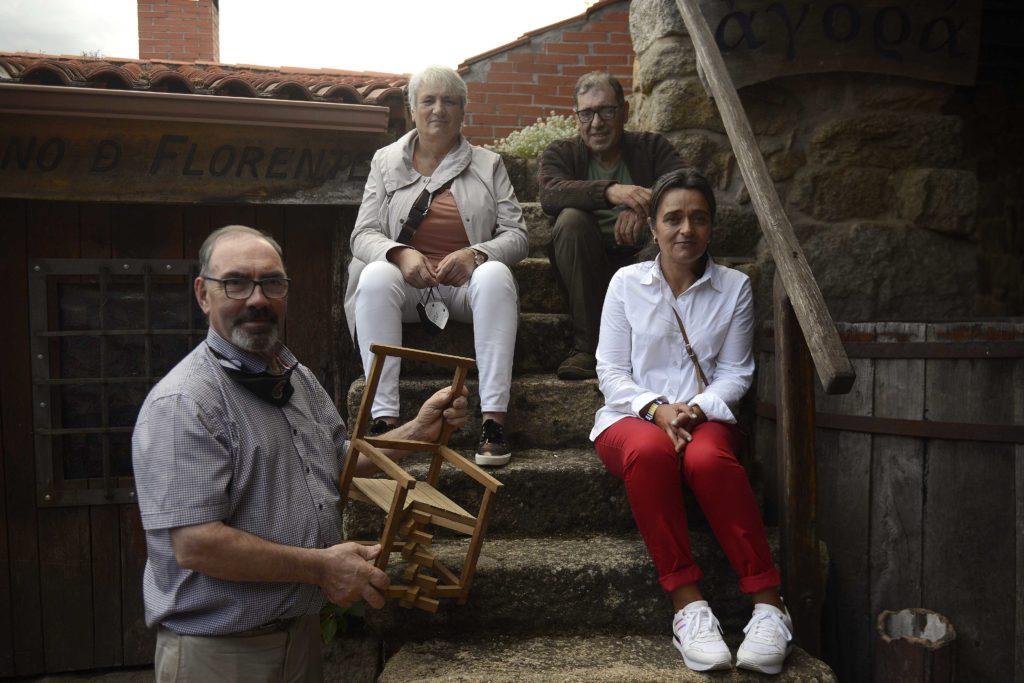 """22/09/2021 AAVV Bentraces, Begoña Fernández, Pilar Herrero, Antonio Pereiras e Manuel Calviño. Polo chan o """"fotógrafo"""" Carlos Tabares. foto Rosa Veiga"""